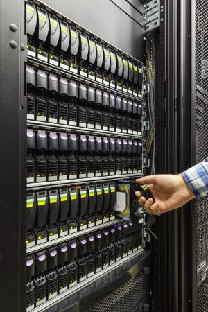 Open-E DSS iSCSI SAN / NAS Storage Server