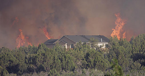 wildfire approaches house 508x269